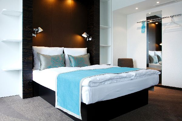 hotel m venpick hamburg. Black Bedroom Furniture Sets. Home Design Ideas
