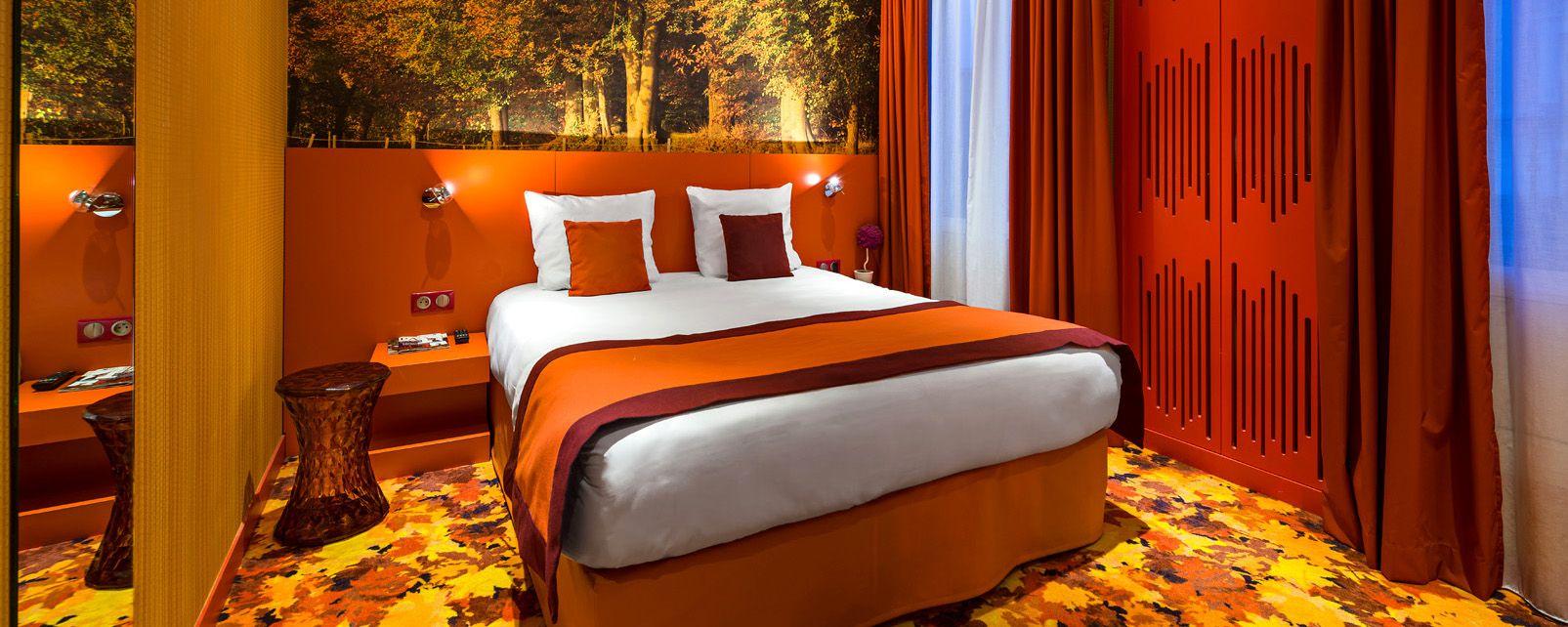 H tel les jardins de paris montmartre for Les jardins de paris hotel