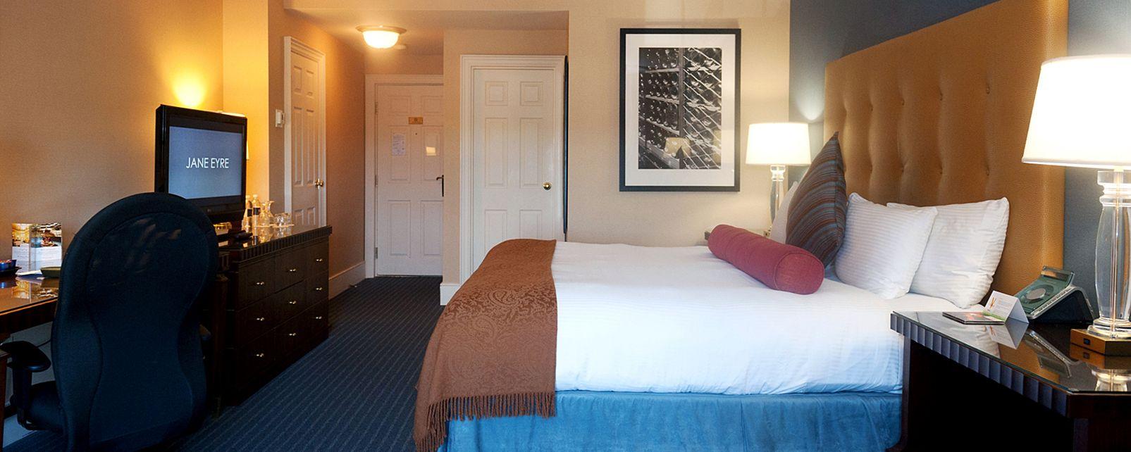 Hotel The Queen's Landing