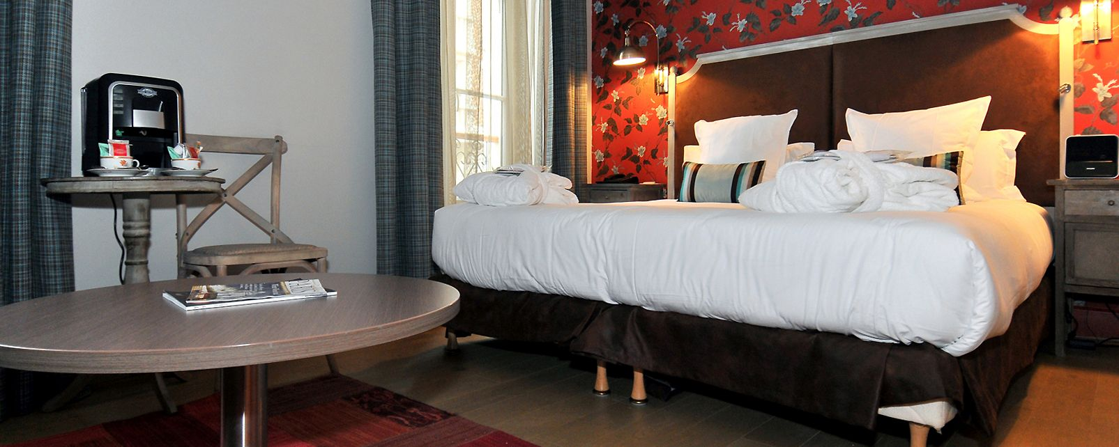 Hotel Le Robinet D Or In Paris