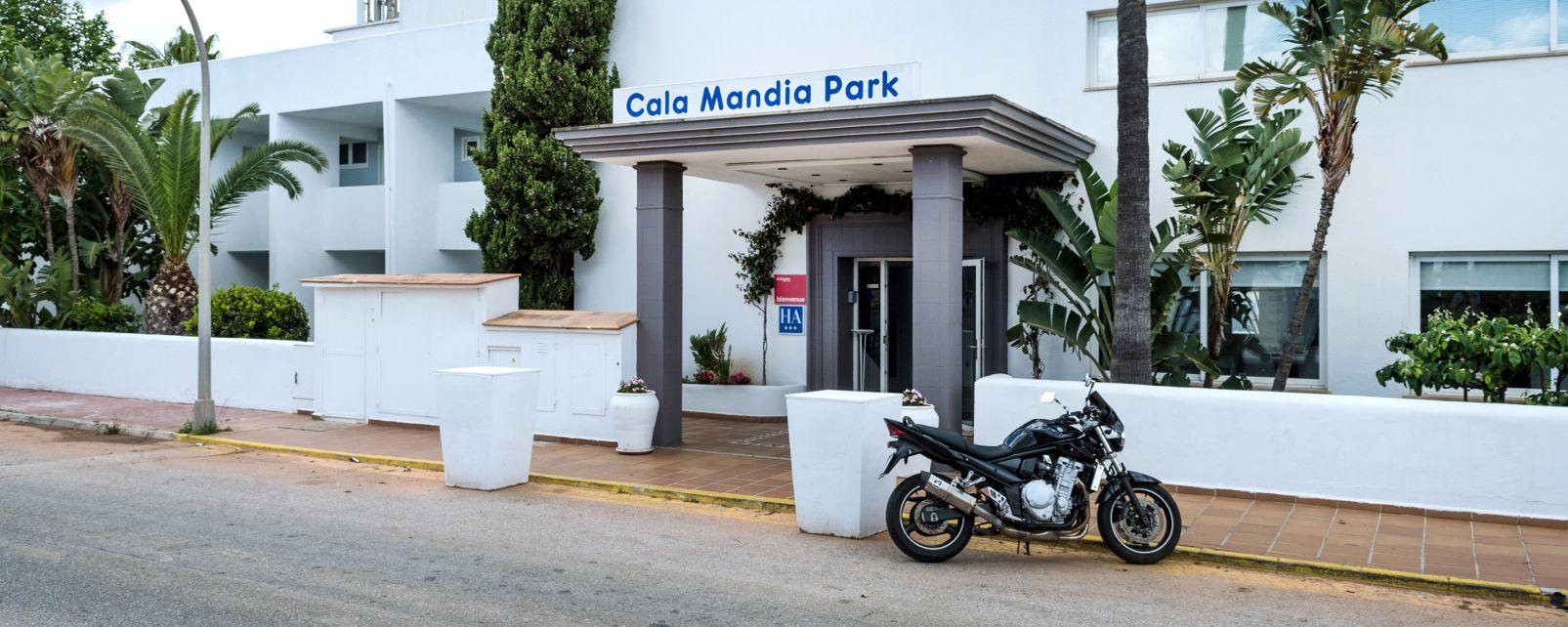 Hotel Cala Mandia Park