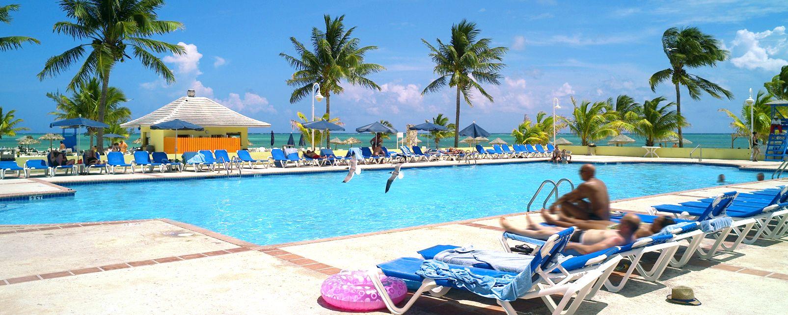 Hotel Viva Wyndham Fortuna Beach