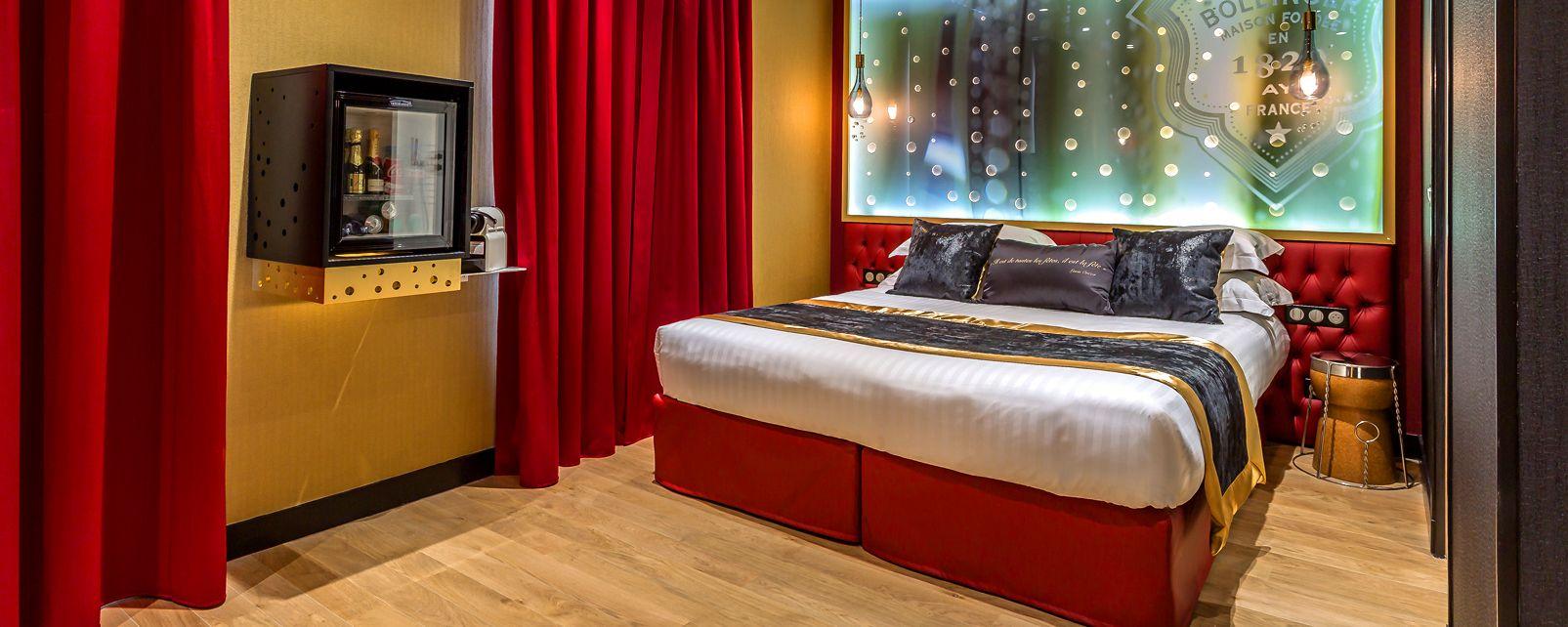 hotel les bulles de paris parigi francia. Black Bedroom Furniture Sets. Home Design Ideas
