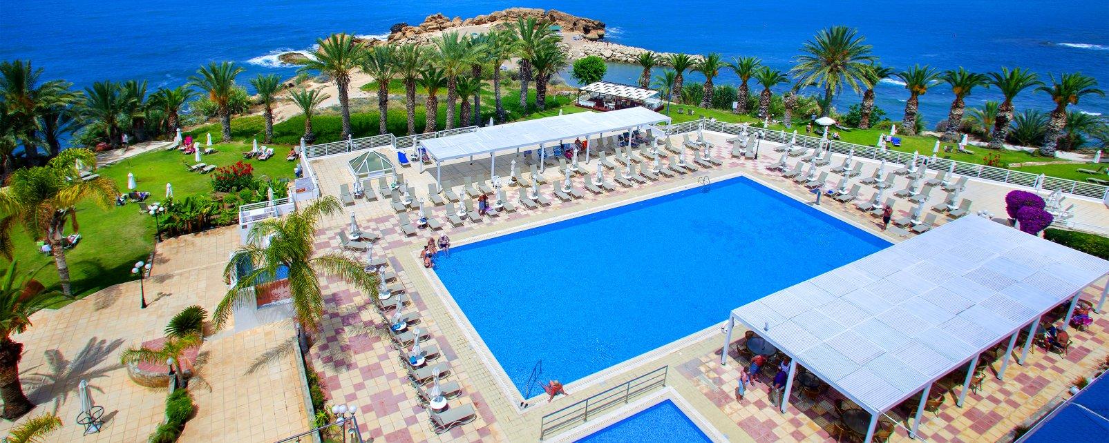 Hotel Queen's Bay