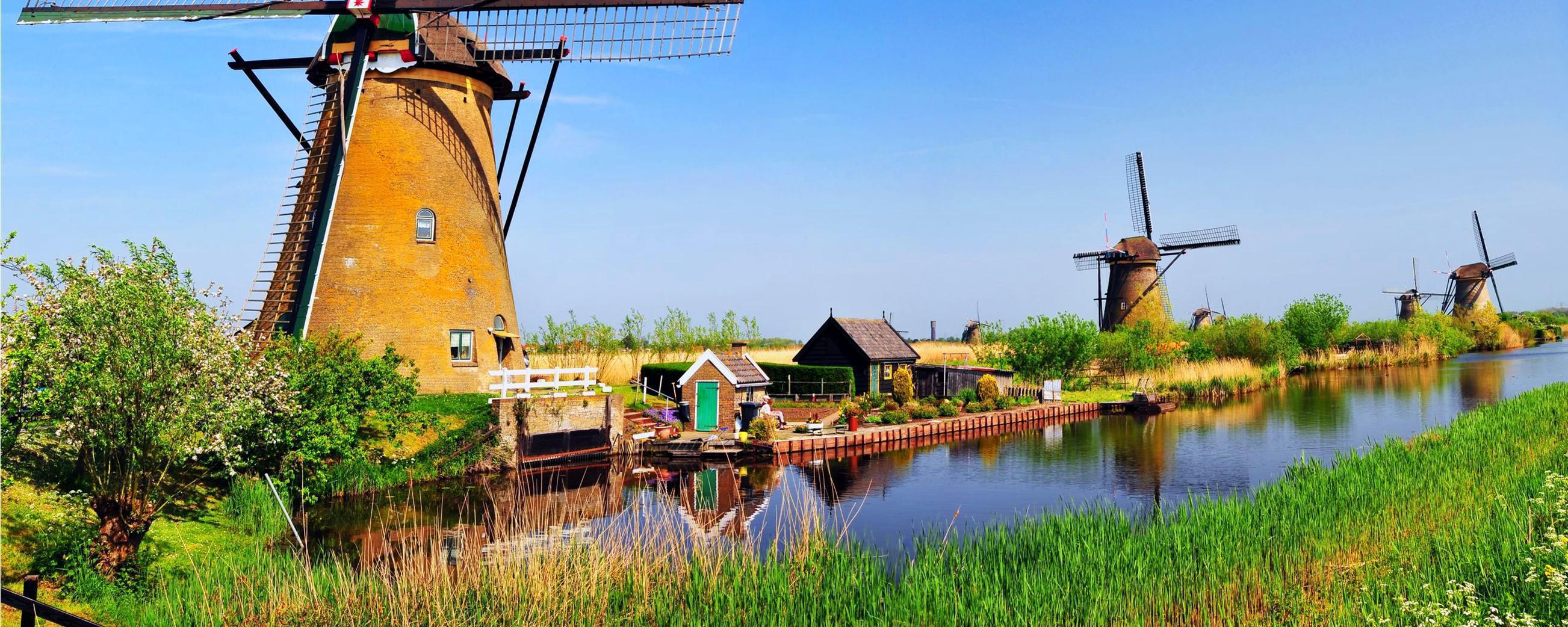 Europe, Pays-Bas, Kinderdijk, moulin à vent, rivière, arbre, prairie ...