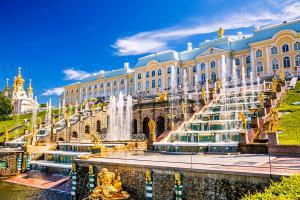 Europe, Russie, Saint-Pétersbourg, Peterhof, église, fontaine, statue, patrimoine, architecture,