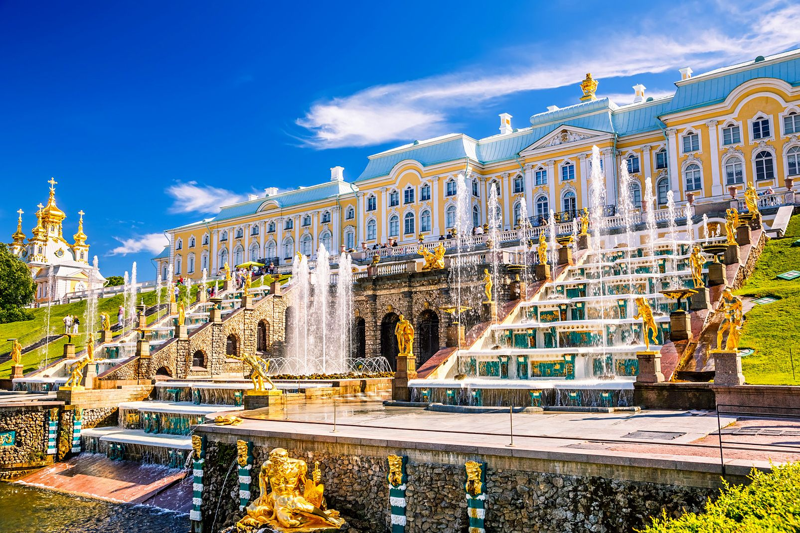 Russie, La grande fontaine en cas cascade de Peterhof