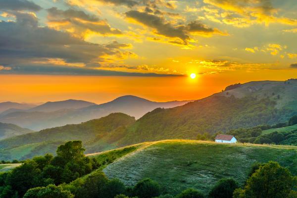 Europe, Macédoine, montagne, maison, prairie, plaine, arbre, coucher de soleil,