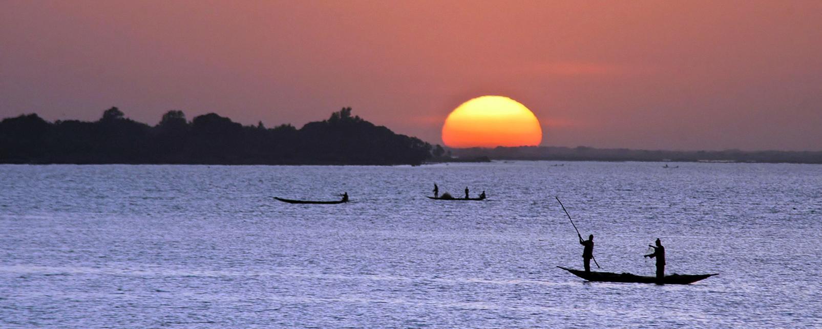 Afrique, Mali, lac, fleuve, canot, pirogue, pêche, coucher de soleil, mer, pêcheur,