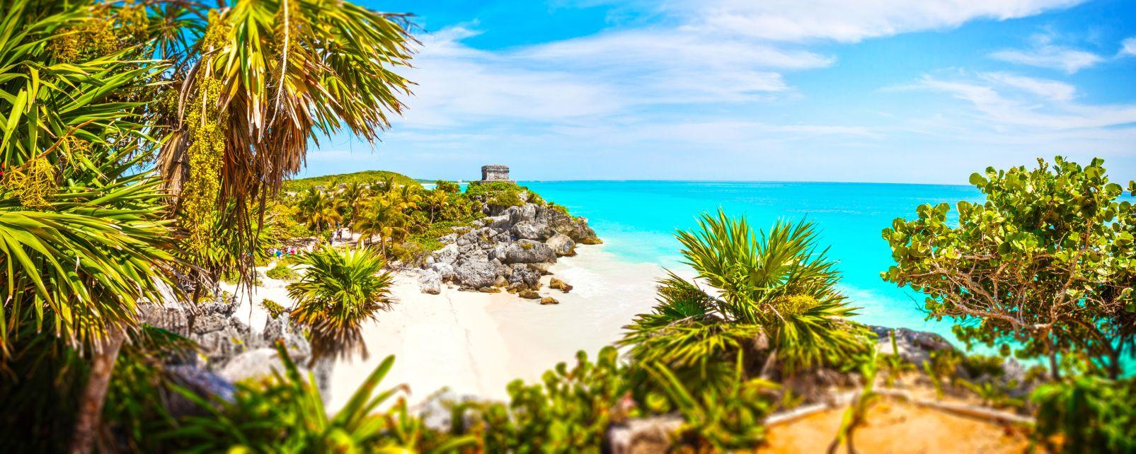 Yucatan, Mexique, La mer des Caraïbes aux pieds du site de Tulum