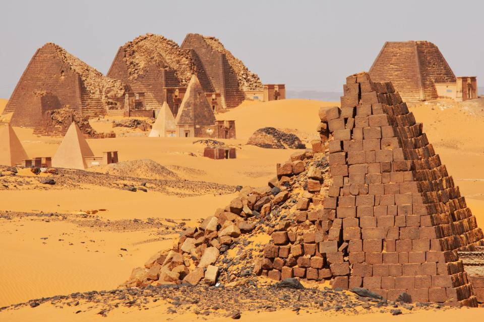 Afrique, Soudan, Méroé, pyramide, désert, ruine, sable,