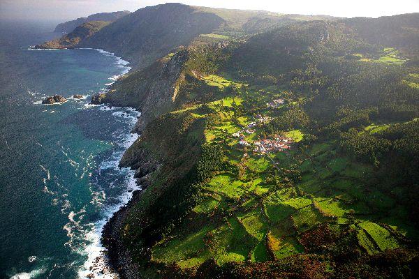 Europe, Espagne, Galice, village, mer, maison, montagne, falaise, arbre, océan,