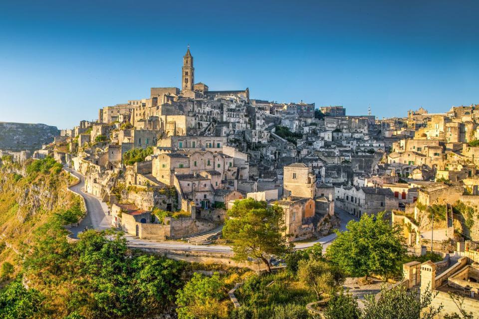Europe, Italie, Basilicate, Matera, ville, maison, église, route, arbre, ciel,