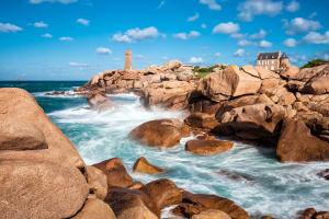 Europe, France, Bretagne, Ploumanach, maison, rocher, mer, océan, Atlantique,