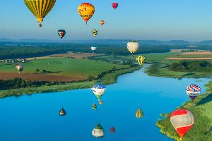 Europe, France, Lorraine, montgolfière, fleuve, prairie, arbre, montagne,