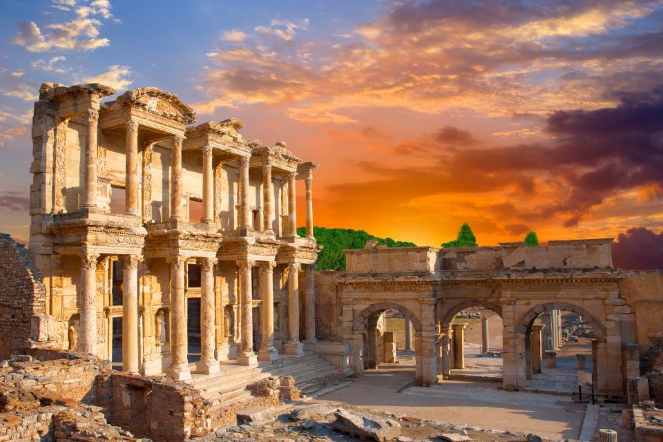 Région d'Izmir, Turquie, La bibliothèque Celsus à Ephèse