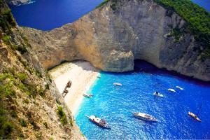 Europe, Grèce, Les îles Ioniennes, Zakynthos, plage, Navagio, naufrage, mer, rocher, bateau, sable,