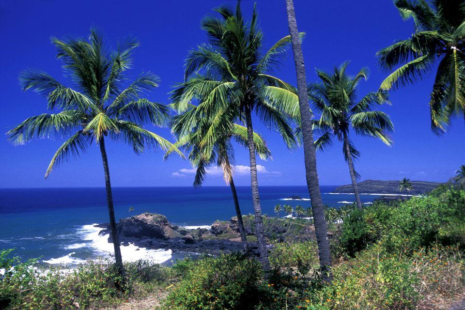 Océan Indien, Afrique, Comores, La côte volcanique de l'île d'Anjouan