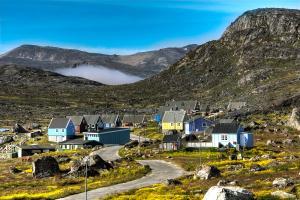 Europe, Danemark, village, montagne, maison, colorée, route, rocher,