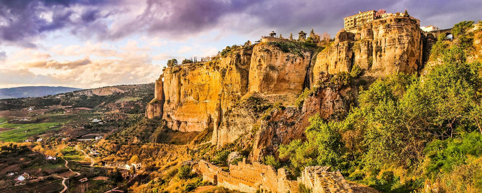 Europe, Espagne, Andalousie, Malaga, Ronda, ville, village, montagne, rocher, maison, arbre,