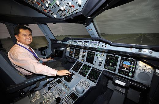 Nella cabina del pilota con il comandante di bordo a for Cane nella cabina dell aereo