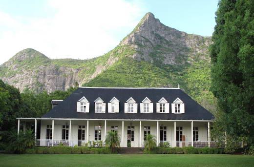 Eureka la maison cr ole festival en terre mauricienne for Interieur maison coloniale