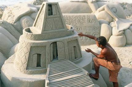 Anleitung: Sandburgen selber bauen - märchenhafte Sandskulpturen  an Rios Stränden