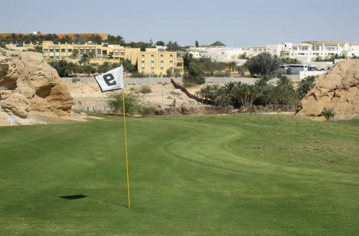Jugar al golf en pleno desierto
