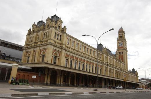 La gare de La Luz, de style renaissance et éclectique