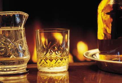¡Brindemos con whisky!