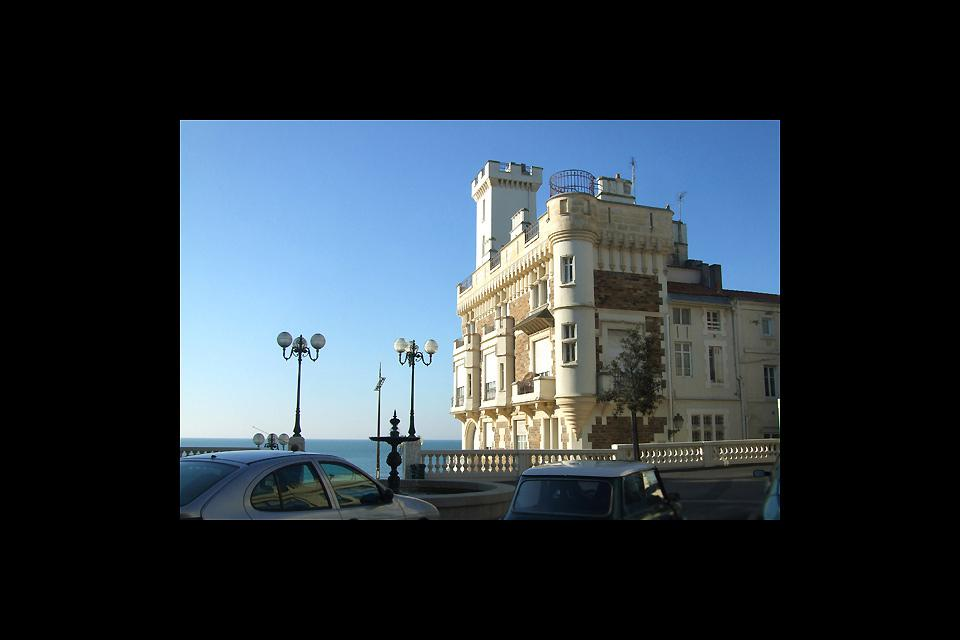 Les Sables d'Olonne is a very lively town in summer thanks to its seaside location and plenty of hotels.