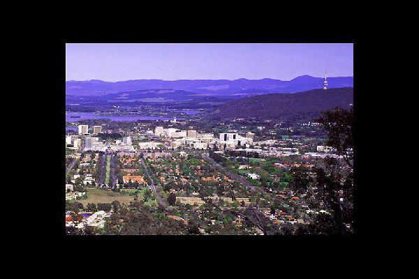 Gracias a sus numerosos espacios verdes, este podría ser el sobrenombre de Canberra.
