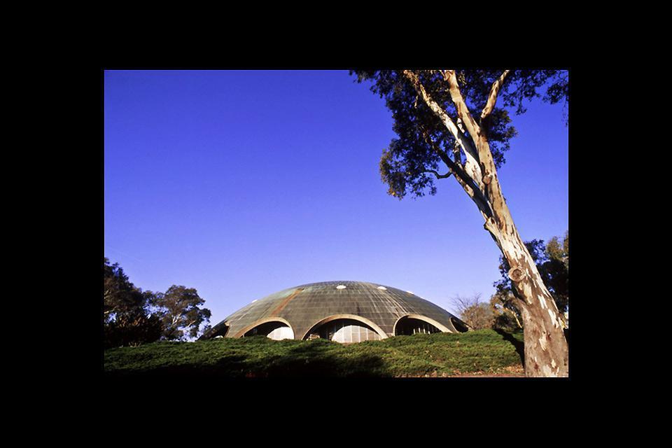 "En langue aborigène, Canberra signifie ""lieu de rassemblement""."