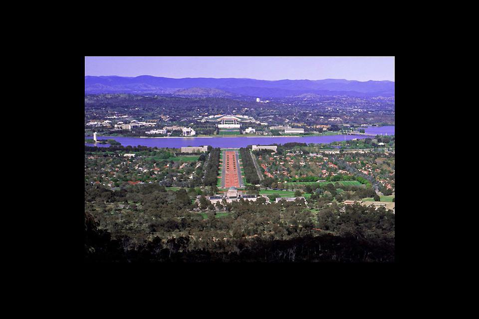 C'est après avoir gagné un concours que le couple d'Américains Griffin a  été choisi pour développer la capitale.