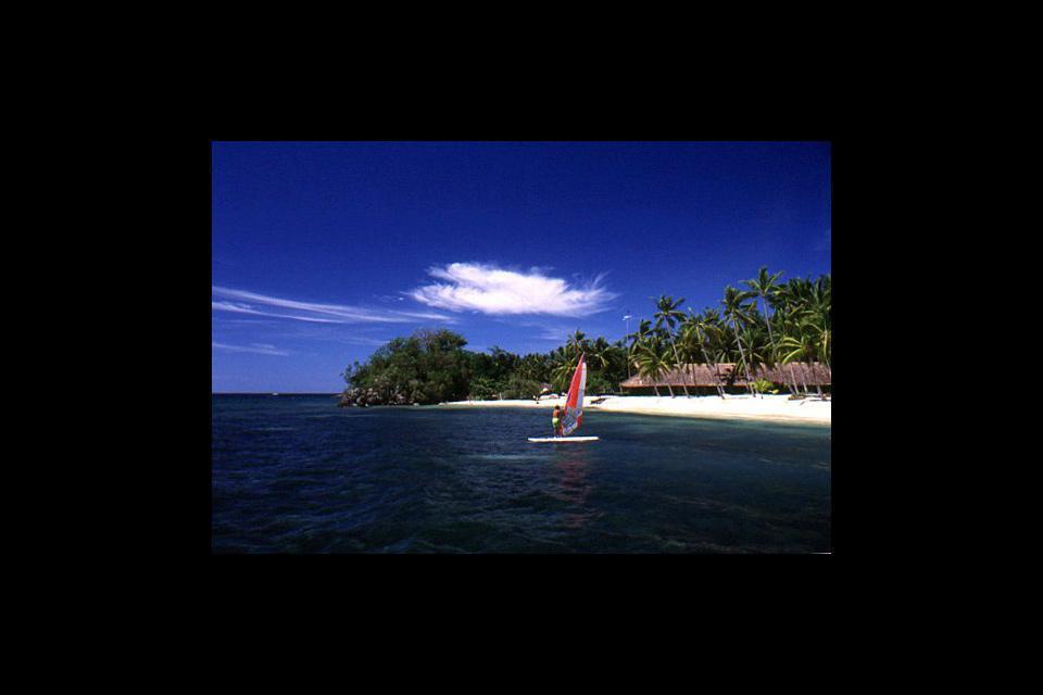 Cebu è un'isola più lunga che larga.