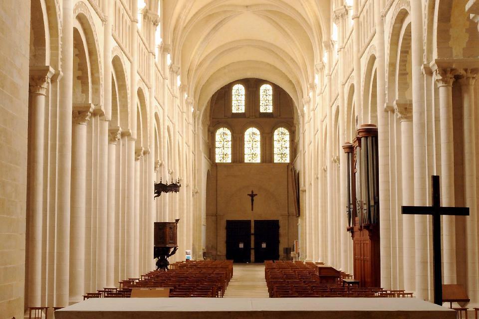 L'abbaye abrite le tombeau de Mathilde de Flandre, sa construction s'est échelonnée du XI ème au XVIII ème siècle
