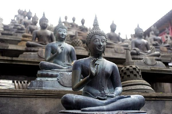 Gangaramaya Temple is one of the most important temples in Colombo and today serves not only as a place of Buddhist worship, but is also a centre of learning.