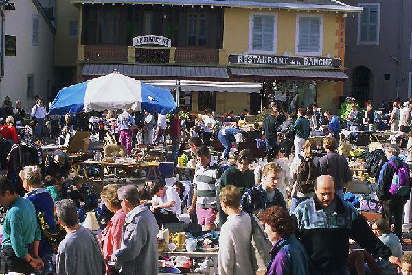 In der Stadt Chambéry werden vor allem im Sommer zahlreiche Flohmärkte veranstaltet.