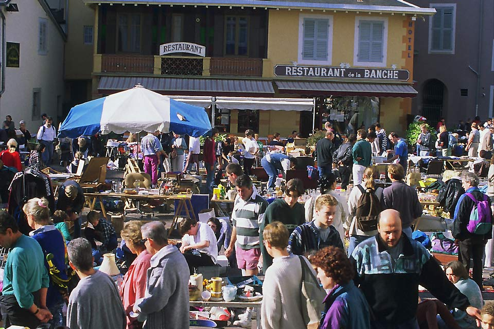 Many events, like garage sales, take place in Chambéry, especially during the summer season.