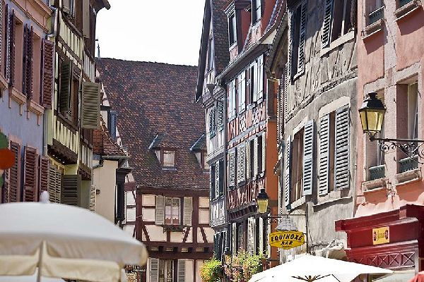 The many little streets of Colmar are ideal for relaxing in. The restaurants often propose local specialities which are great for getting your strength back after a long day of walking around.