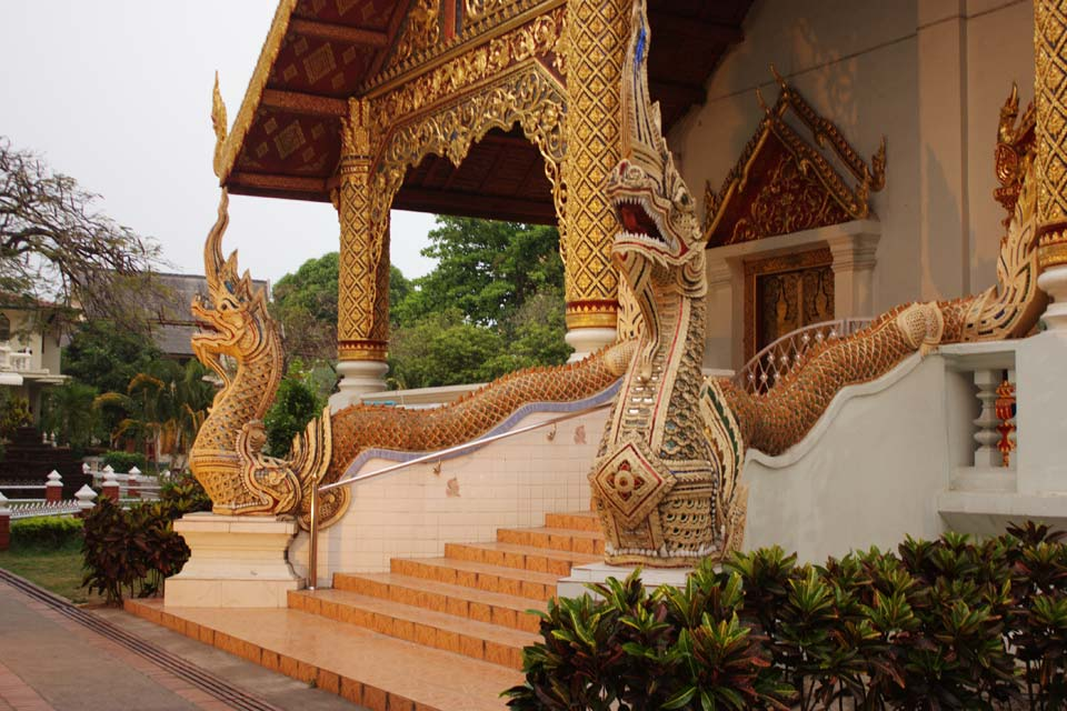 The Wat Phra Singh is a fine example of Lanna architecture.