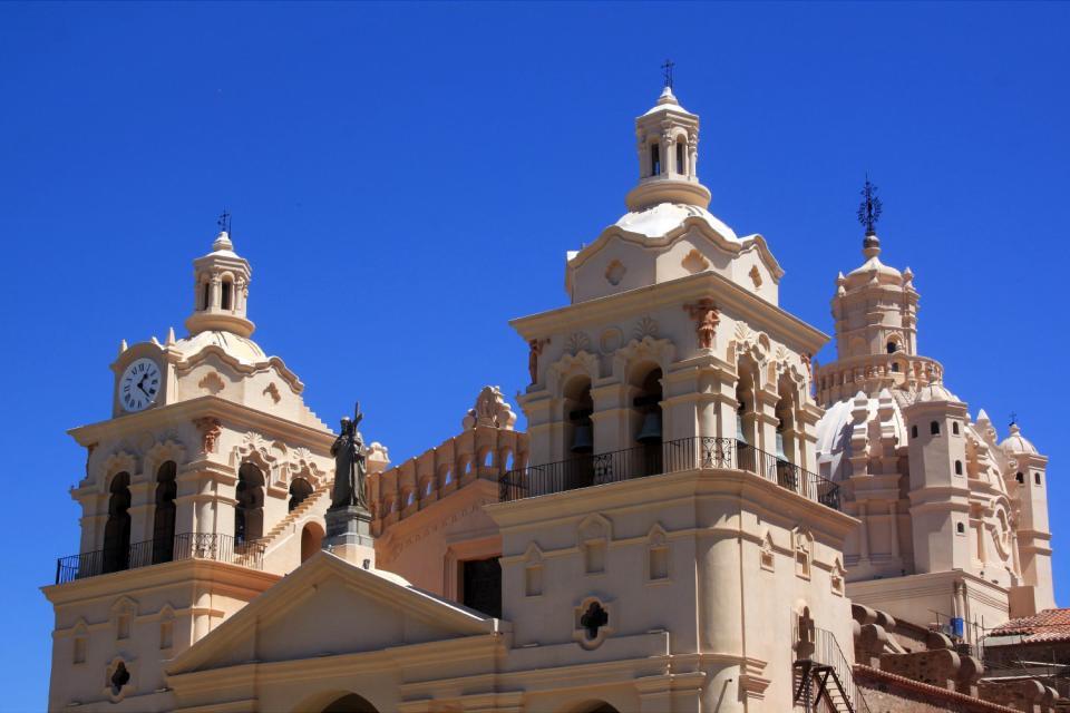 Les plus anciens bâtiments se trouvent aux alentours de la place San Martín.