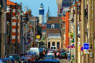 El encanto de sus callejuelas y sus monumentos, como la torre de Guet o la plaza de Armas, ha convertido a la ciudad en un destino turístico.