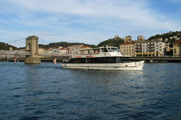 It is possible to visit Vienne by going on a cruise on the Rhône, during which you will be able to see the city's Roman and medieval monuments.