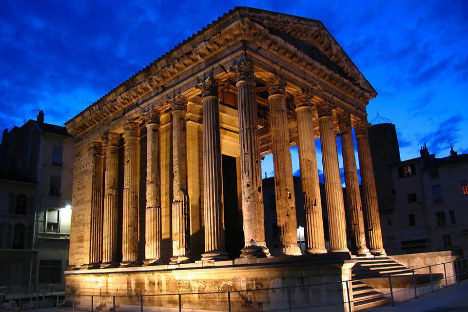 Fotos Der Tempel des Augustus und Livius zu Vienne