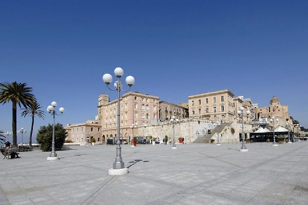 The seafront promenade that borders Alghero's old town is a particularly pleasant spot for a stroll.