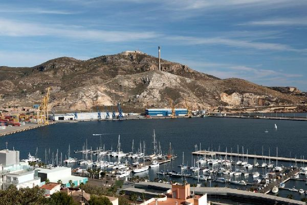 Au XVIème siècle, il a été un des ports maritimes les plus importants d'Espagne.