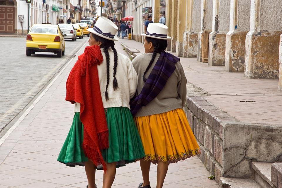 Just like Quito, Cuenca was significantly influenced by the colonial period and still maintains the typical architecture of this period.