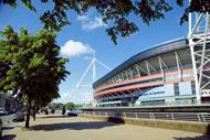 L'un des plus grands stades du Royaume-Uni, il peut contenir jusqu'à 74500spectateurs et accueille des matchs de football et de rugby.