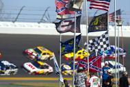 Les équipes de Nascar courent pour la Race Gatorade Duel tous es ans sur les circuits du Daytona International Speedway, la ville ravit les passionnés d'automobiles.